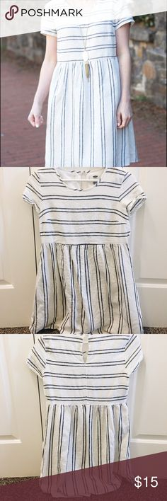 Old navy striped dress Super cute old navy dress. Looks like a madewell dress, and I always get compliments when I wear it. No signs of wear or damage Old Navy Dresses