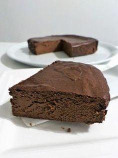 Que diriez-vous de déguster un fondant au chocolat léger... si si c'est possible, un fondant fort en chocolat ! Le beurre d'ordinaire...