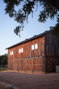 Modern-rustic barn style retreat in Texas Hill Country Texas Hill Country, Hill Country Homes, Rustic Barn, Modern Rustic, Rustic Style, Rustic Exterior, Stone Columns, Stone Barns, Ranch Style Homes
