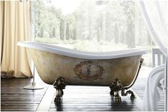Luxury bathroom with Treesse's classical bathtub with claw feet / Epoca Impero Collection Deep Bathtub, Old Bathtub, Wooden Bathtub, Stone Bathtub, Bathtub Shower, Clawfoot Bathtub, Bathtub Ideas, Bathroom Ideas, Bathroom Bath