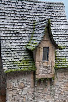 Wonderful dollhouse, Rick Pierce. Fantastic website