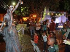 Música, luces y obras de teatros animan la Noche Larga de los Museos
