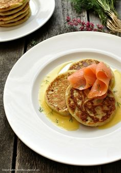 Placki z ziemniaków z szalotkowym sosem maślano-winnym/ Potato pancakes and butter-wine sauce
