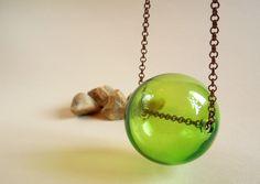 Green blown glass bubble necklace with copper chain Collana sfera verde in vetro di Tuttosicrea su DaWanda.com