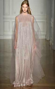 Valentino's Spring 2017 Couture Collection Is a Clean Slate #RueNow
