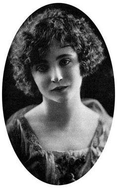 Anaïs Nin at 19.
