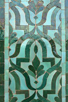The Famous Doors at the Golden Gates of Palais Royale Tile Art, Mosaic Art, Mosaic Tiles, Tile Murals, Mosaics, Tile Patterns, Textures Patterns, Home And Deco, Islamic Art