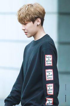 Produce 101 Season 2 (@mnet101boys) | Twitter Cry A River, All Meme, Guan Lin, Produce 101 Season 2, Kim Jaehwan, Ha Sungwoon, Kpop, Korean Street Fashion, Ji Sung