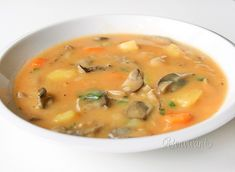 Hríbovica Czech Recipes, Ethnic Recipes, Soup Recipes, Snack Recipes, Food 52, Soups And Stews, Curry, Food And Drink, Yummy Food