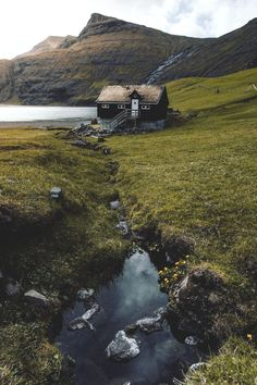 Faroe Island Weather (Guide With Pictures) The Places Youll Go, Places To Go, Beautiful World, Beautiful Places, Landscape Photography, Nature Photography, Scenic Photography, Cabins And Cottages, Faroe Islands