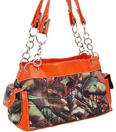 I WANT THIS PURSE. ♥ Orange Camo Purse.