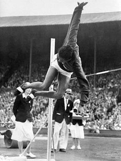 In London in Alice Coachman became the first African American woman to win a gold medal, when she won the high jump competition. She was also the only female American athlete to win a medal of any kind at these Olympics. American Athletes, Female Athletes, Olympic Records, Olympic Gold Medals, High Jump, African American Women, African Americans, Star Wars, London Photos
