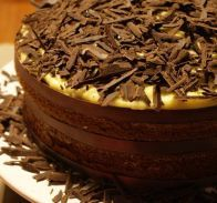 Bolo de chocolate com recheio de baunilha - SAPO Sabores
