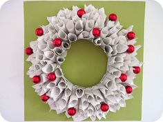holiday cheer book wreath, use a loved one's favorite book to make a sweet gift