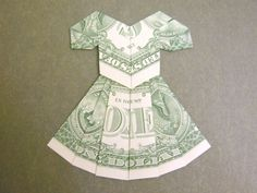 Design: Hanny Vlaar Book: Euro's Vouwen Modified to dollar bill. Made with two dollars. The folds changed when modified. Origami Dress, Origami Love, Money Origami, How To Make Origami, Origami Paper, Origami Hearts, Origami Ball, Origami Flowers, Paper Flowers