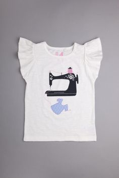 So cute! kid's t-shirt with vintage sewing machine:)