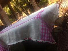 toalha de pic nic...a delicadez do linho e o rústico ddo xadrez, fazem a diferença nessa toalha 1;31X1:80