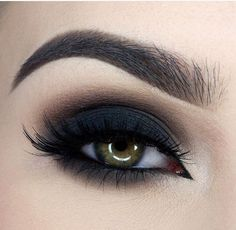 Perfect and fancy black eye makeup