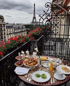 @travelingpost , Brunch goals  Photo: unknown #travelingpost #travel #france by (travel.open.your.eyes). travelingpost #france #travel #eventprofs #eventplanning #viewfromthetop #views #popular #trending #events #eventprofs #meetingprofs. [Like us on Facebook at www.facebook.com/MICEFX for more...]