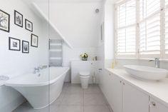 Contemporary-Half-Bathroom-Ideas-in-London