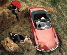 The other day Claus wrote about Jaguar and the associated conservatism they seem to be marked by. Completely opposite to that we find the french Citroën where Citroen Ds, Manx, My Dream Car, Dream Cars, Automobile, Citroen Traction, S Car, Automotive Design, Fiat