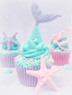 Mermaid themed cupcakes by Lynette Brandl