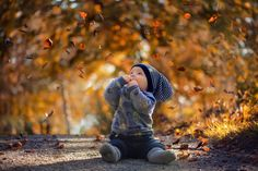 Falling leaves by Pernilleng
