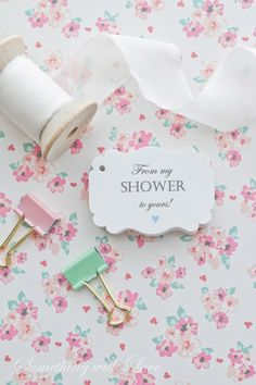 Just finished up these shower favor tags! Perfect for pampering your guests with some bath salts or soap favors!! ♡ #showerfavors #soapfavors #babyshower #frommyshowertoyours #bathsaltfavors #bridalshowerfavors #favortags #handmade www.somethingwithlove.etsy.com