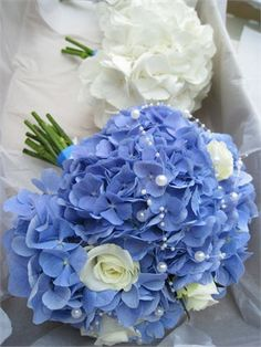 Hydrangea and rose bouquet - Halo Blossom