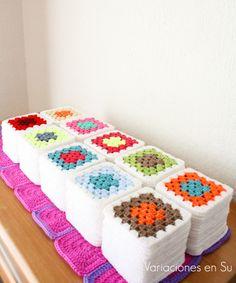 Crochet Bedspread, Crochet Square Patterns, Crochet Blocks, Crochet Squares, Crochet Granny, Crochet Blanket Patterns, Crochet Motif, Diy Crochet, Crochet Stitches