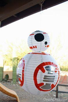 BB-8 avec des lanternes en papier. 15 idées DIY pour organiser une super fête Star Wars
