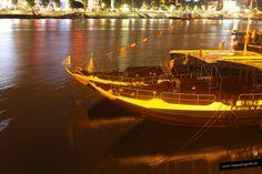 Barcos que transportaban el vino por el río Duero... Oporto, Portugal.