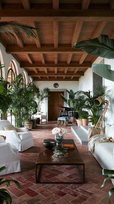 Urban Deco, Home Interior Design, Interior Decorating, Mansion Interior, Diy Decorating, Spanish Style Homes, Spanish Home Decor, Spanish House, Spanish Backyard