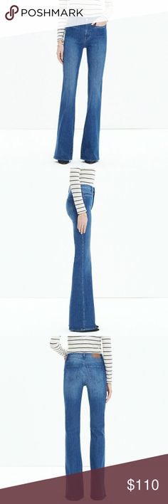 "Madewell Flea Market Flare Kara Wash size 32 NWT Measures approximately 44.5"" long, 33.5"" inseam, 12"" front rise, 16.5"" flat across waist. Kara wash. Madewell Jeans Flare & Wide Leg"