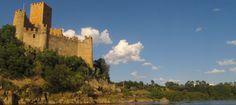 O Convento e o Castelo de Tomar, em Portugal