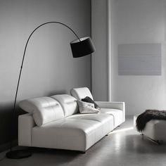 "Un canapé en cuir blanc ""Hampton"" avec dossier inclinable, BoConcept"