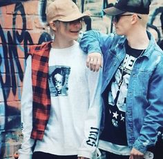 Bars and melody are on tour, Leo and Charlie are so lucky to have each other whilst traveling the world.... I can't imagine how lonely it would be to tour alone.