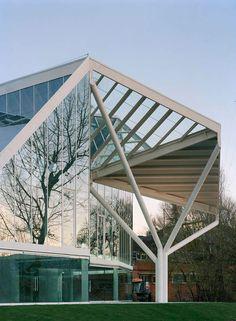 Enclosed pavilion - picture by Ake Son Lindman #parkproject #structuralnetwork #steelglasspavilion #pentagonalmodules #continuousspace #naturallandscape #performancespaces #exhibitions #uniqueresponse