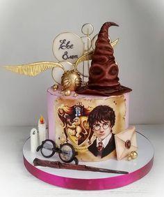 Harry Potter Torte, Harry Potter Birthday Cake, Drip Cakes, Cake Art, Cake Designs, Amazing Cakes, Food And Drink, Pasta, Cupcake