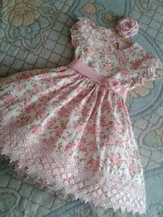 Compre Jardim encantado no Girls Frock Design, Baby Dress Design, Baby Girl Dress Patterns, Baby Girl Frocks, Frocks For Girls, Little Girl Dresses, Kids Dress Wear, Kids Gown, Baby Frocks Designs