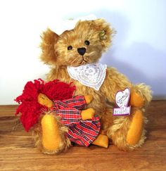 GINGER & SPICE GOLD MOHAIR BEAR ANNETTE FUNICELLO...... Love the names she gives her bears.....
