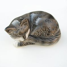 Vintage Goebel Sleeping Cat Figurine Model by LesPetitsTrucs