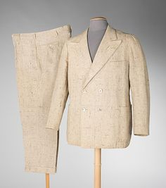 Man's linen suit with shell buttons, by De Pinna, American, 1937.