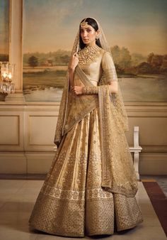 Top 15 Designer Bridal Lehenga for Wedding - Fashion Girls Indian Bridal Outfits, Indian Bridal Fashion, Indian Bridal Wear, Pakistani Bridal Dresses, Bridal Gowns, Designer Bridal Lehenga, Wedding Lehenga Designs, Golden Bridal Lehenga, Bridal Lehenga Choli
