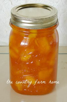 Amish Peach Jam Peach jam made with jello. When the season is in, we'll be glad we have this delicious recipe!Peach jam made with jello. When the season is in, we'll be glad we have this delicious recipe! Canning Tips, Canning Recipes, Home Canning, Canning Food Preservation, Preserving Food, Canned Food Storage, Peach Jam, Jam And Jelly, How To Make Jam