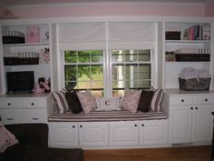 i like the idea of doing a faux window seat out of a toy box with