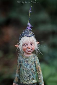 I think what I love about Little pixie Matze OOAK made by Tatjana Raum, and most of her sculpts is that truley have character :)