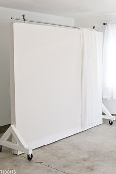 No picture perfect home . no problem. Catch the DIY tutorial and photo results for this dual sided Wall on Wheels photography and filming backdrop, which is key to our garage studio. studio DIY Wall on Wheels Photography Studio Equipment, Photography Studio Setup, Photography Backdrops, Photography Backgrounds, Photography Studios, Photography Office, Building Photography, Photography Lighting, Photography Courses