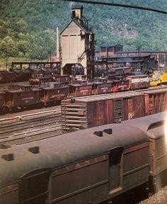 PRR. Renovo? Railroad Companies, Railroad Pictures, Standard Gauge, Pennsylvania Railroad, Old Trains, Train Engines, Rolling Stock, Train Tracks, Model Trains