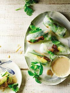 Orange-Almond sauce in spring rolls